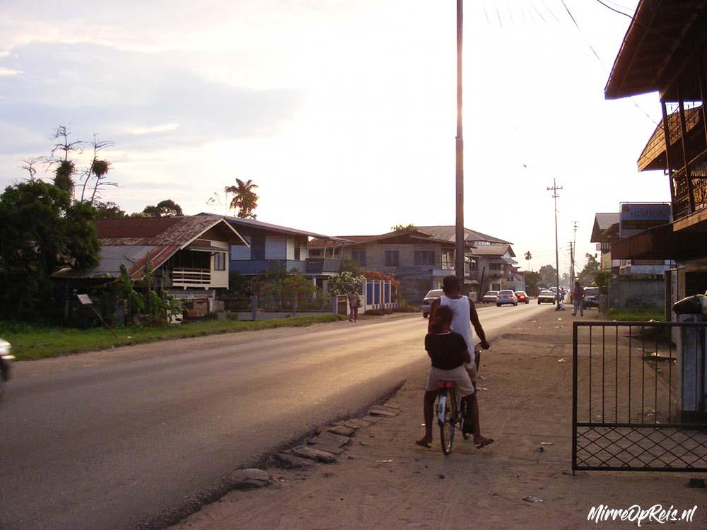 Suriname 066 01 Kwattaweg