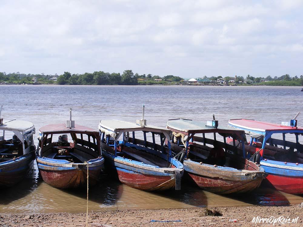 Suriname 140 bootjes