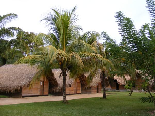 Isadou Suriname 031 Isadou hutjes