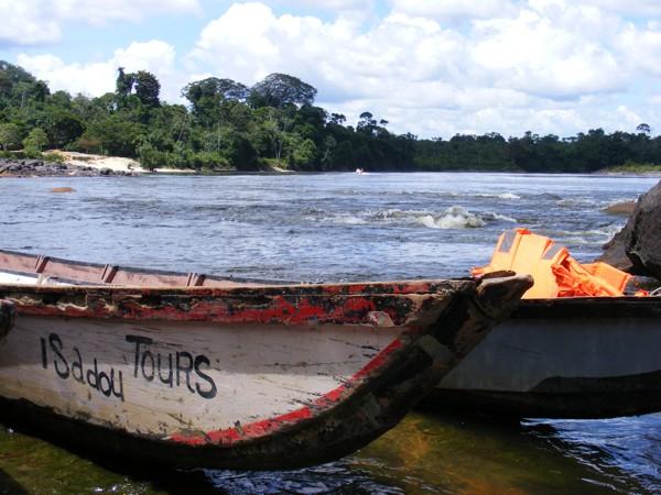 Isadou Suriname 067 Isadou tours boot
