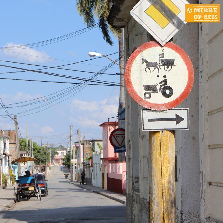 Cuba blog: paardenkar verkeersbord
