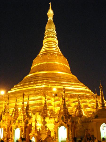 Shwedagon Pagode in Myanmar_008
