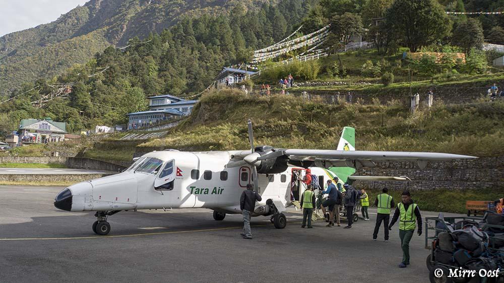Nepal-115-Twin-Otter-Lukla