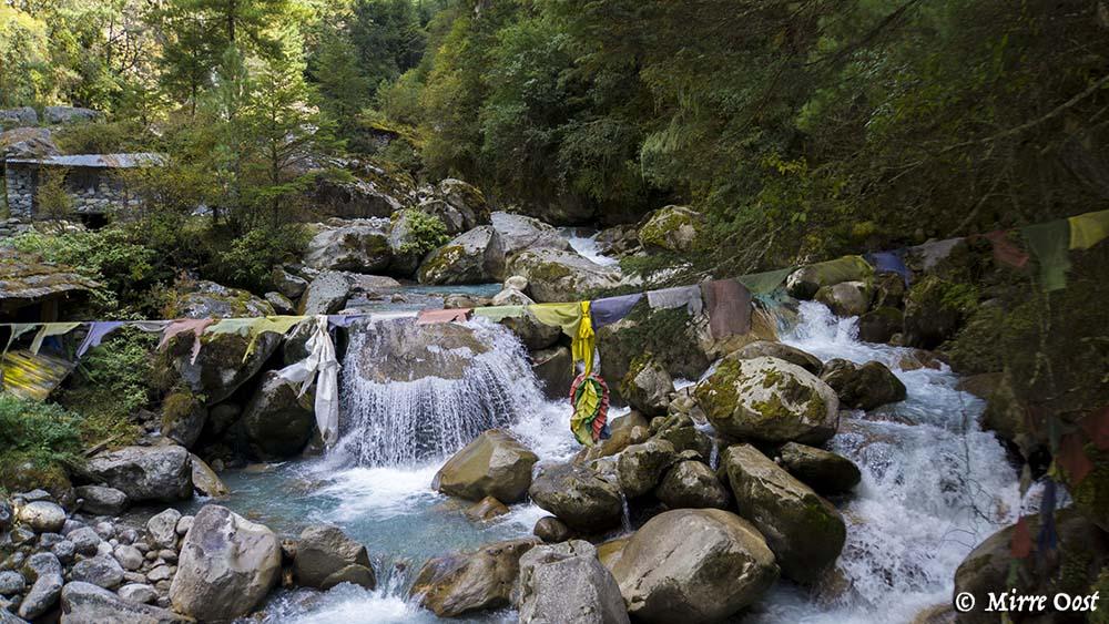 Nepal-194-EBC-kleine-waterval