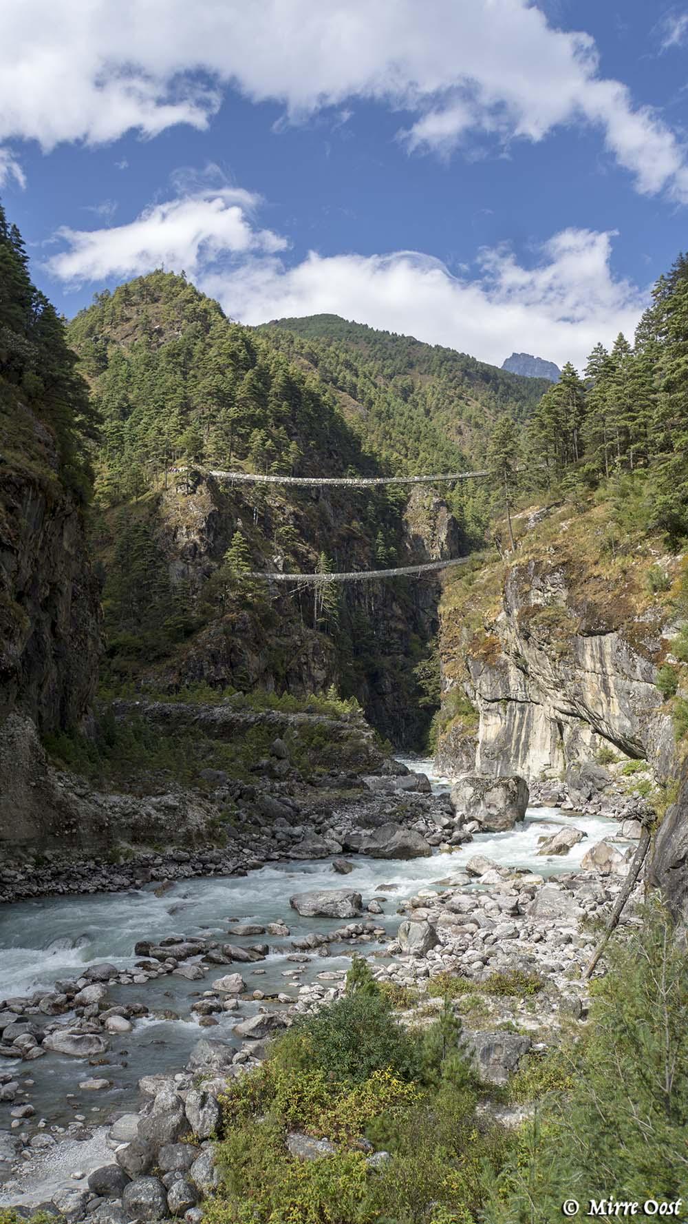 Nepal-225-dubbele-hangbrug