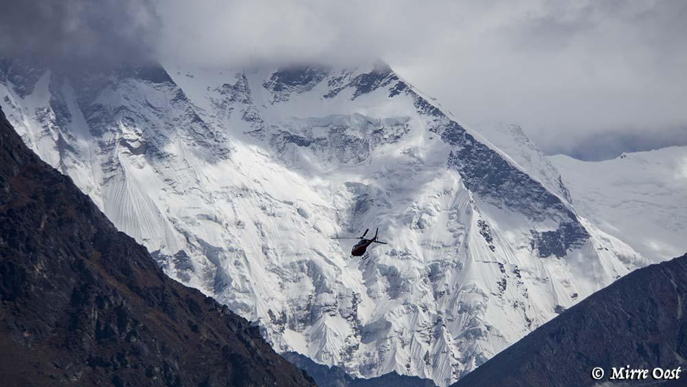 Nepal-368-helikopter-bij-Ama-Dablam