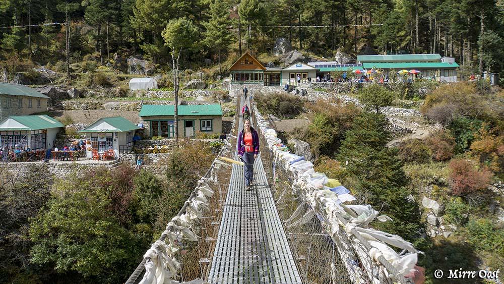 Nepal-380-M-op-brug