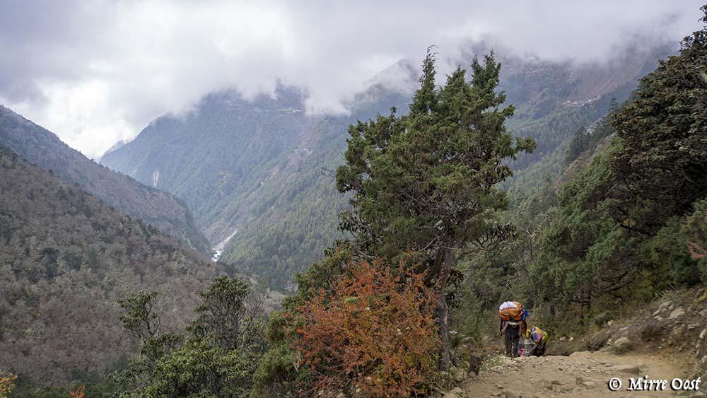 Nepal-390-de-weg-omhoog